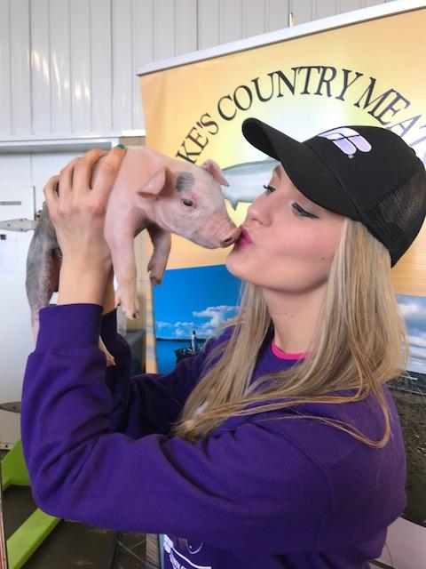 Kaylee and piggy